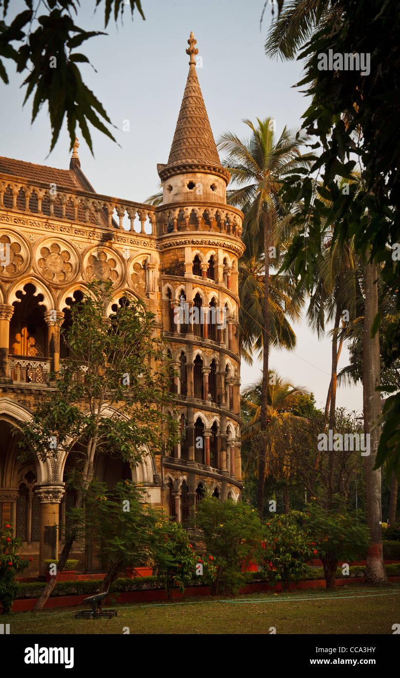 Escalier en spirale de la bibliothèque de l'université de Mumbai, Bombay, Inde Photo Stock