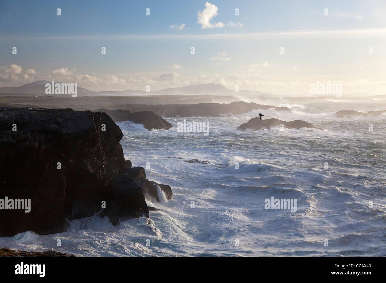 Une mer près de la falaise de Belmullet, Comté de Mayo, Irlande. Photo Stock