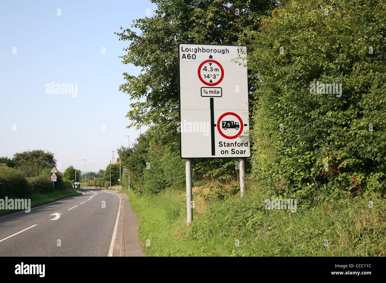 Limite de poids hauteur panneau près de Loughborough Photo Stock