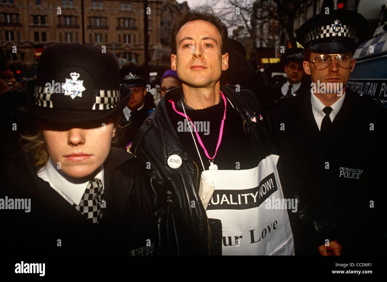 gay police site de rencontre