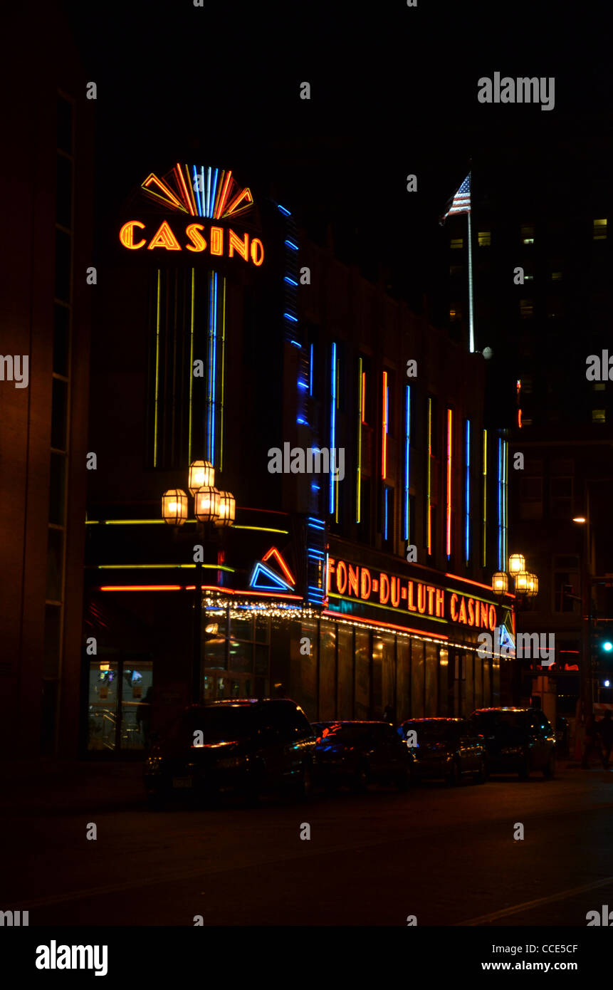 Fond-Du-Luth Casino à Duluth, au Minnesota, dans la nuit Photo Stock