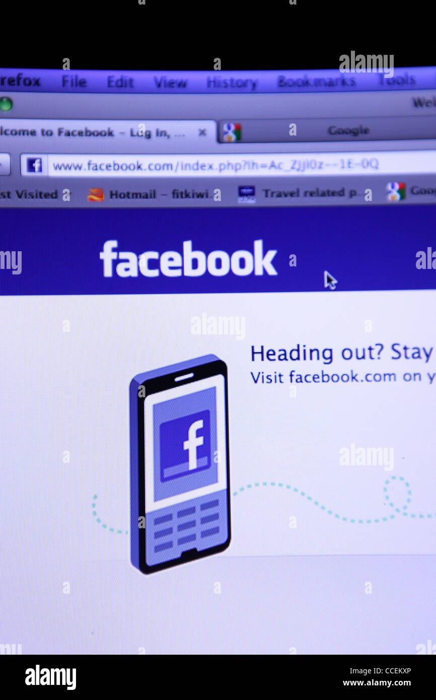 Écran d'ordinateur avec Facebook chargé. Photo Stock