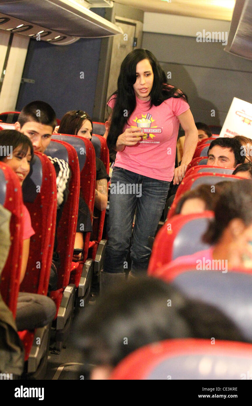 Nadya suleman alias octomom est arr t e dans sa maison via un bus de tourn e sur son chemin - Creer sa propre maison ...