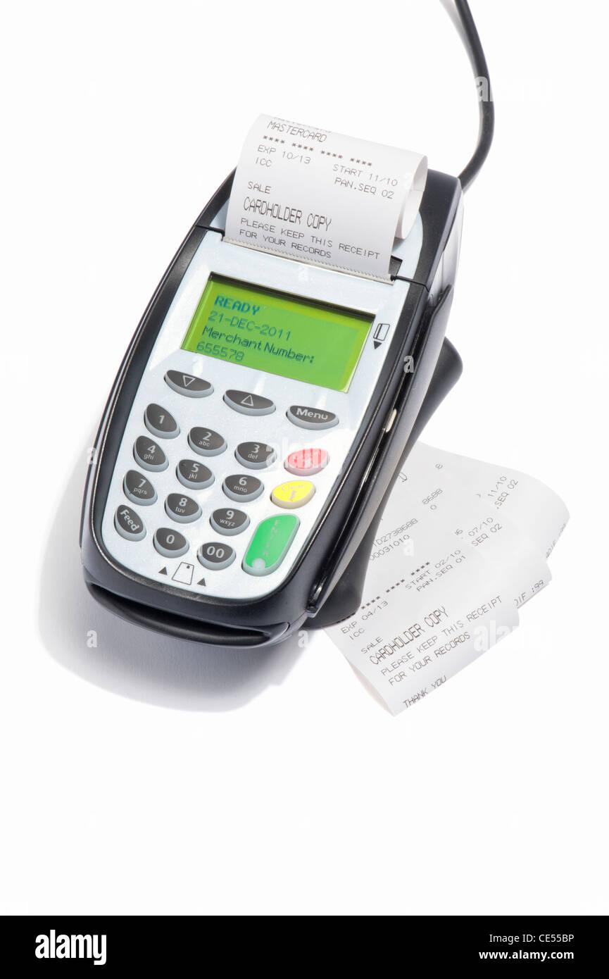 Une machine de carte de crédit avec reçus Photo Stock