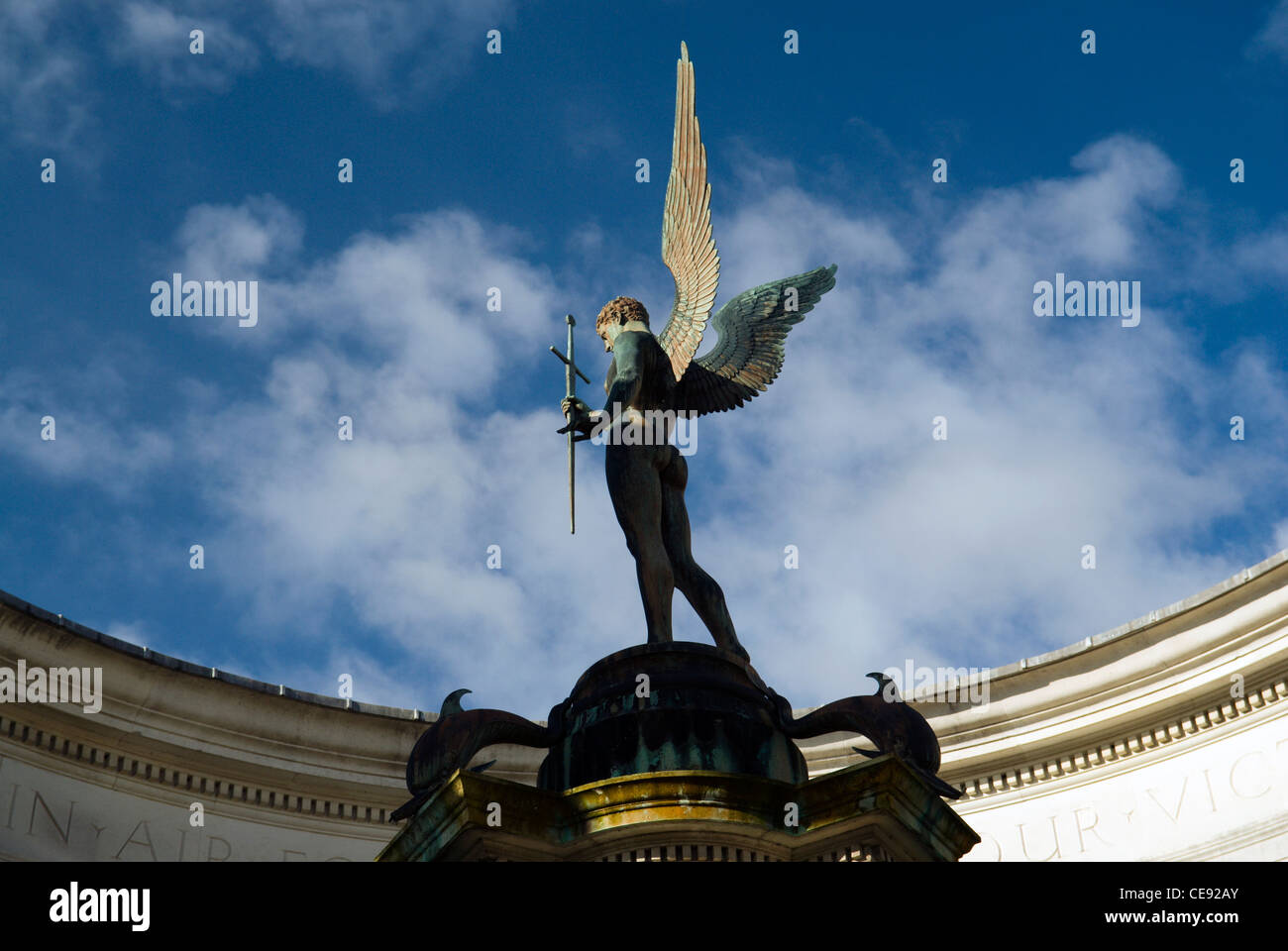 Détail de l'ange à l'épée de la Wales National War Memorial, Alexandra Gardens, Cathays Photo Stock