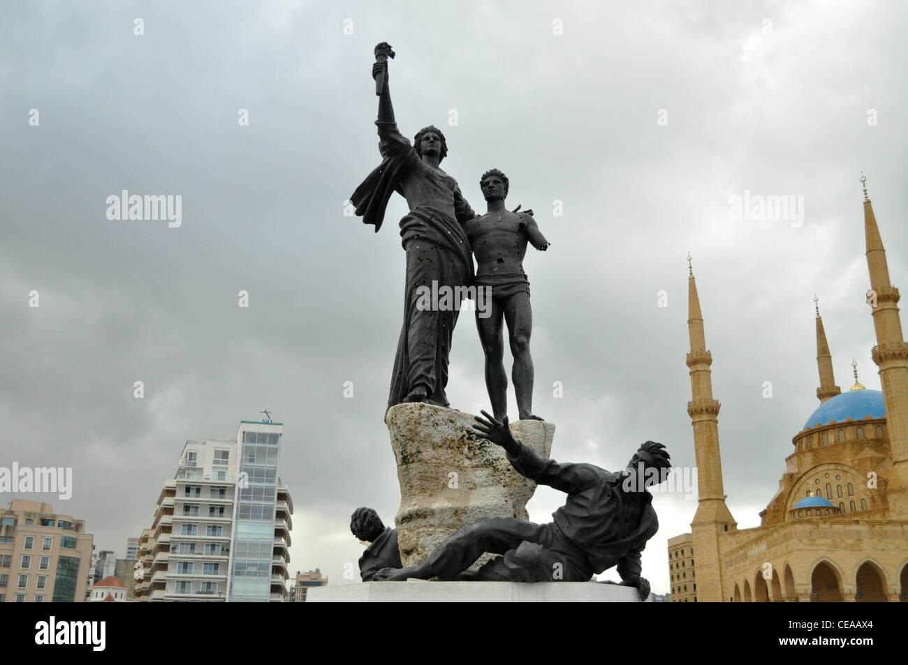La Place des Martyrs, à Beyrouth: trous de balle dans les statues Photo Stock