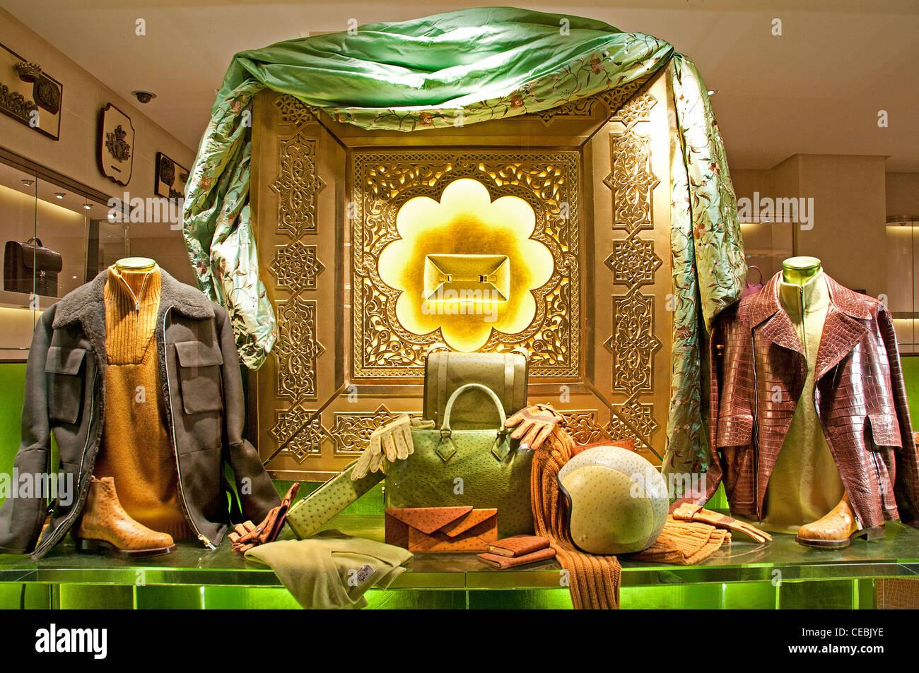 le plus fiable aliexpress acheter bien Boutique Hermès Paris France afficher la fenêtre de mode de ...