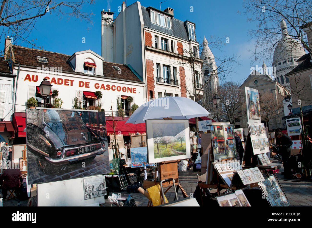 place du tertre montmartre sacre coeur paris peintre peinture banque d 39 images photo stock. Black Bedroom Furniture Sets. Home Design Ideas