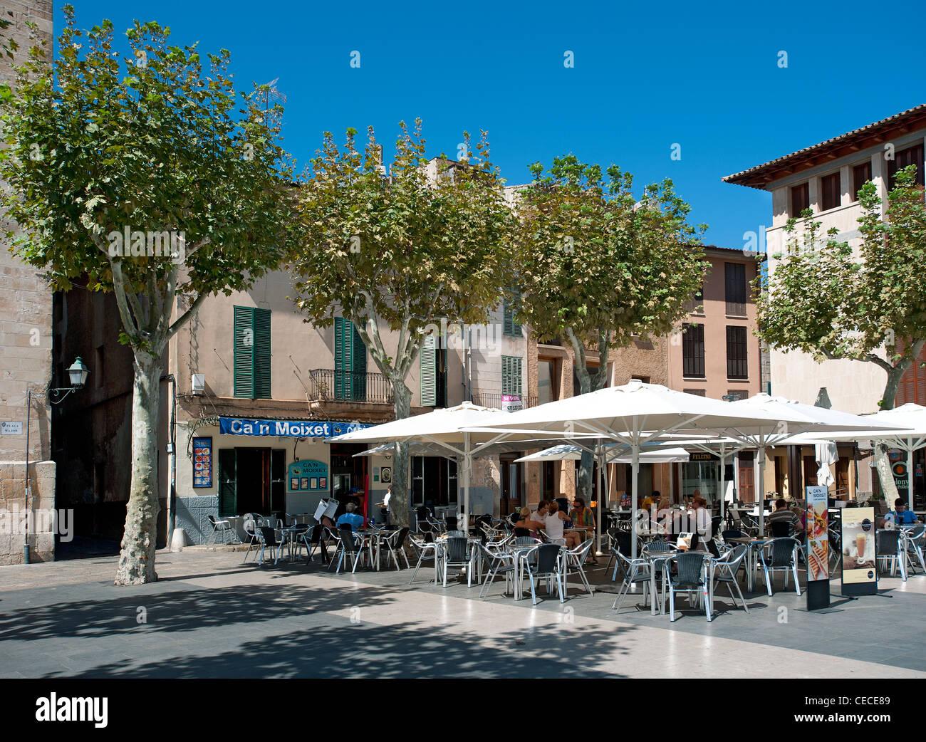 Cafés Plaza Mayor de Pollensa Majorque Espagne Photo Stock