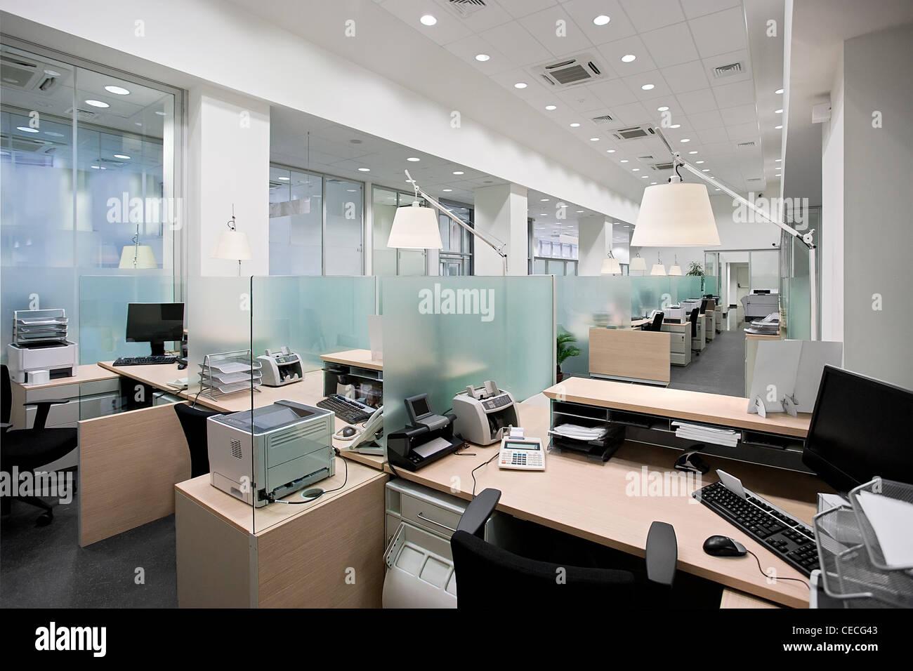 Bureau de la Banque mondiale avec un bureau vide de matières Photo Stock