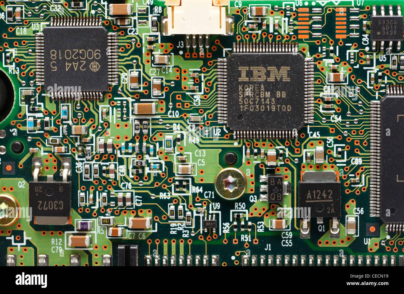 Carte circuit microchip IBM montrant et composants Photo Stock