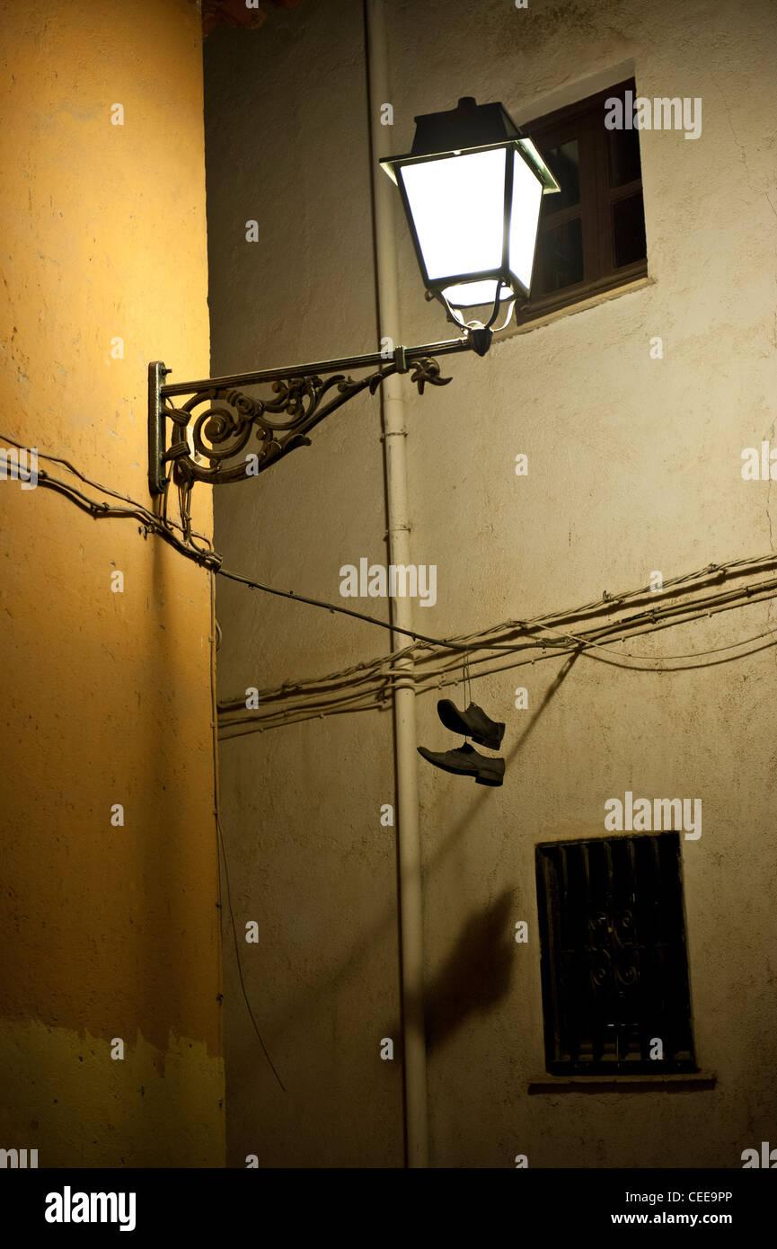 Chaussures À Suspendues Un ÉlectriqueL'albaicinGrenade Fil n0w8ZPkOXN