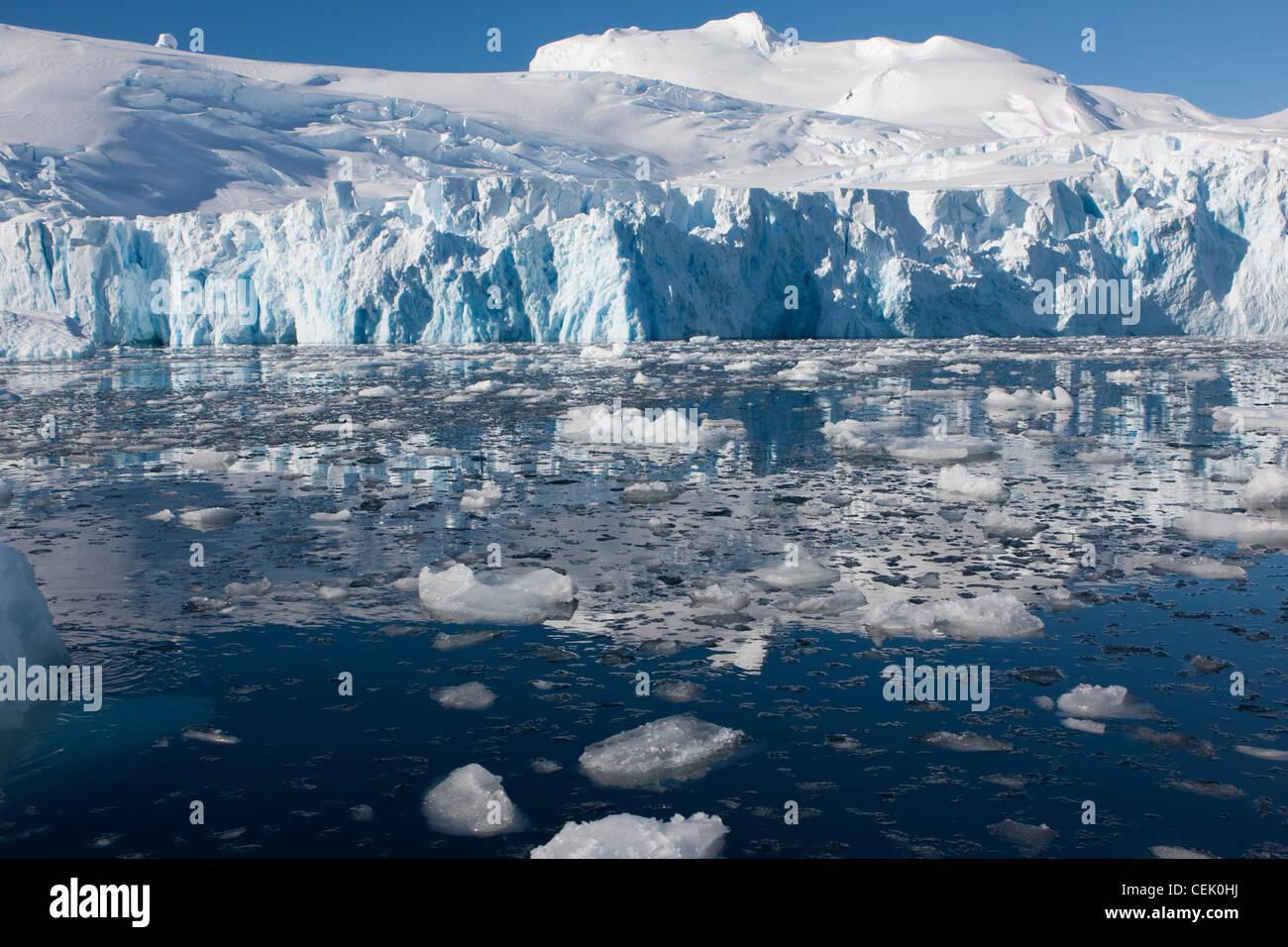 Les icebergs dans l'Antarctique Banque D'Images