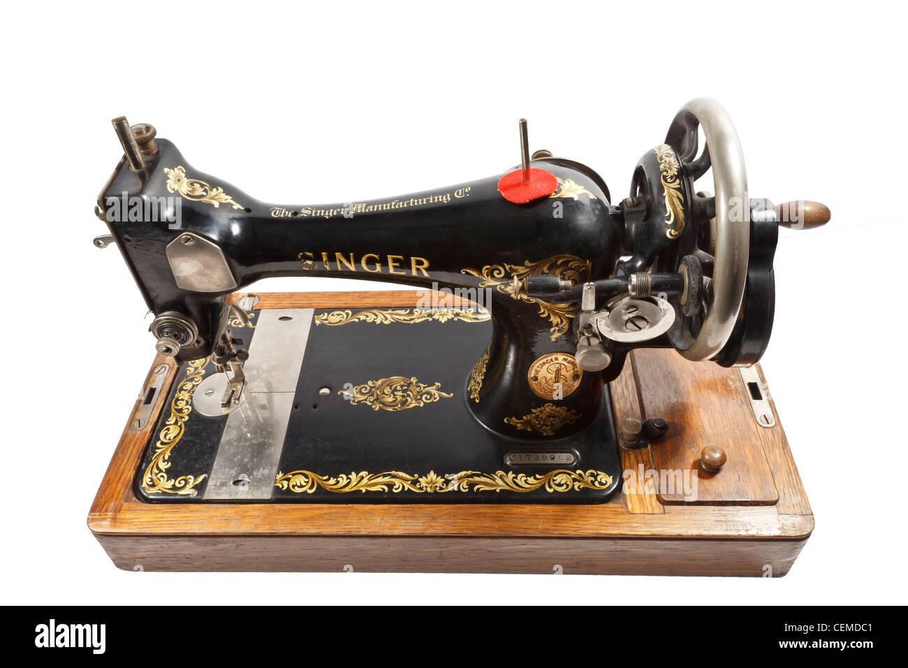 Machine A Coudre Ancienne la main à l'ancienne machine à coudre à manivelle banque d