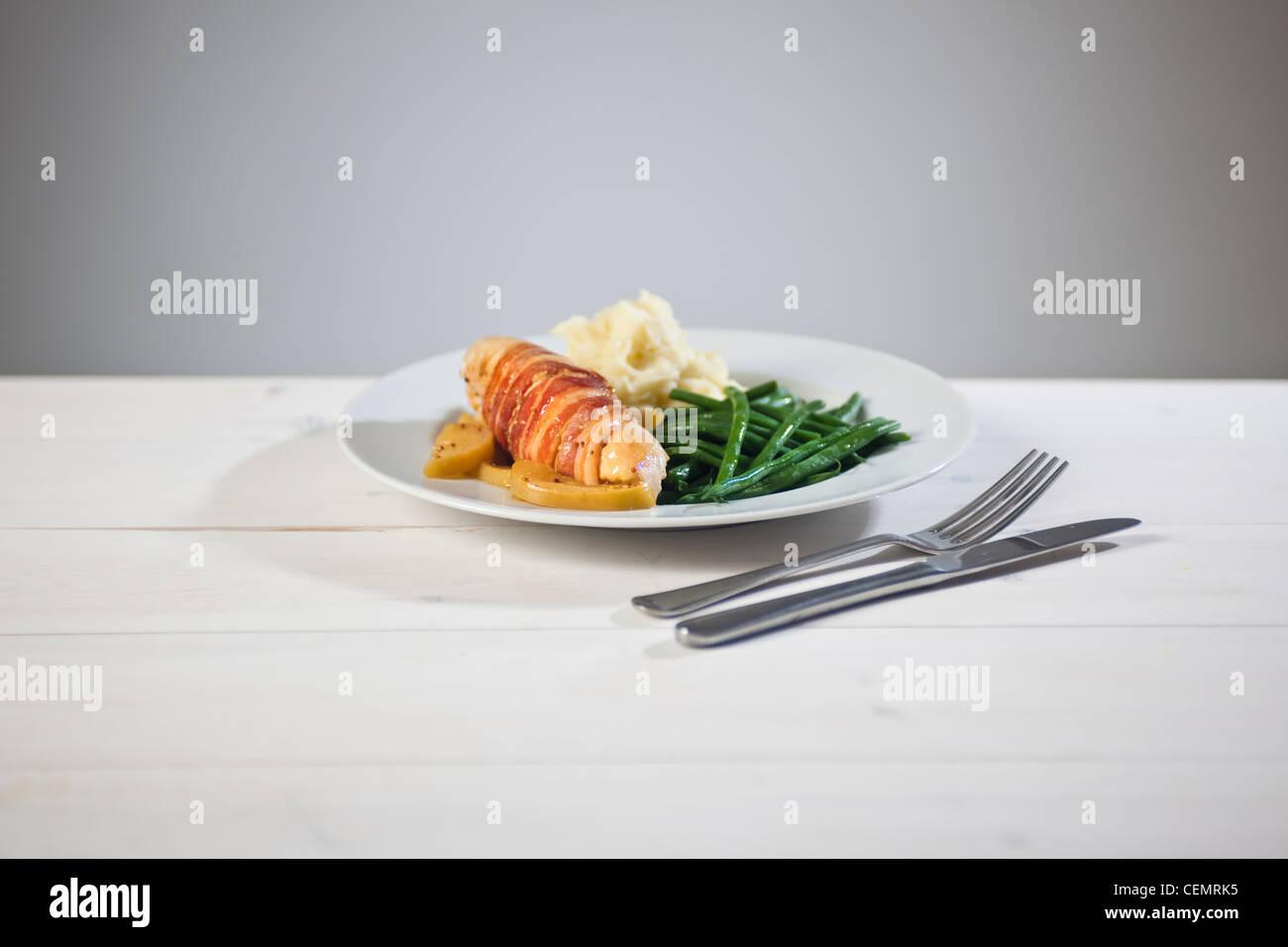 Repas de poulet Bacon et aux poires Photo Stock