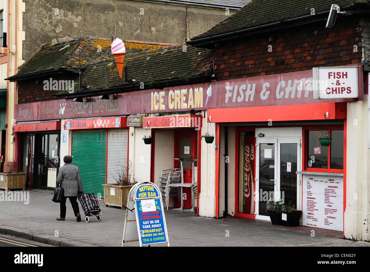 Les bâtiments de mer délabrée, Herne Bay, Kent UK Photo Stock