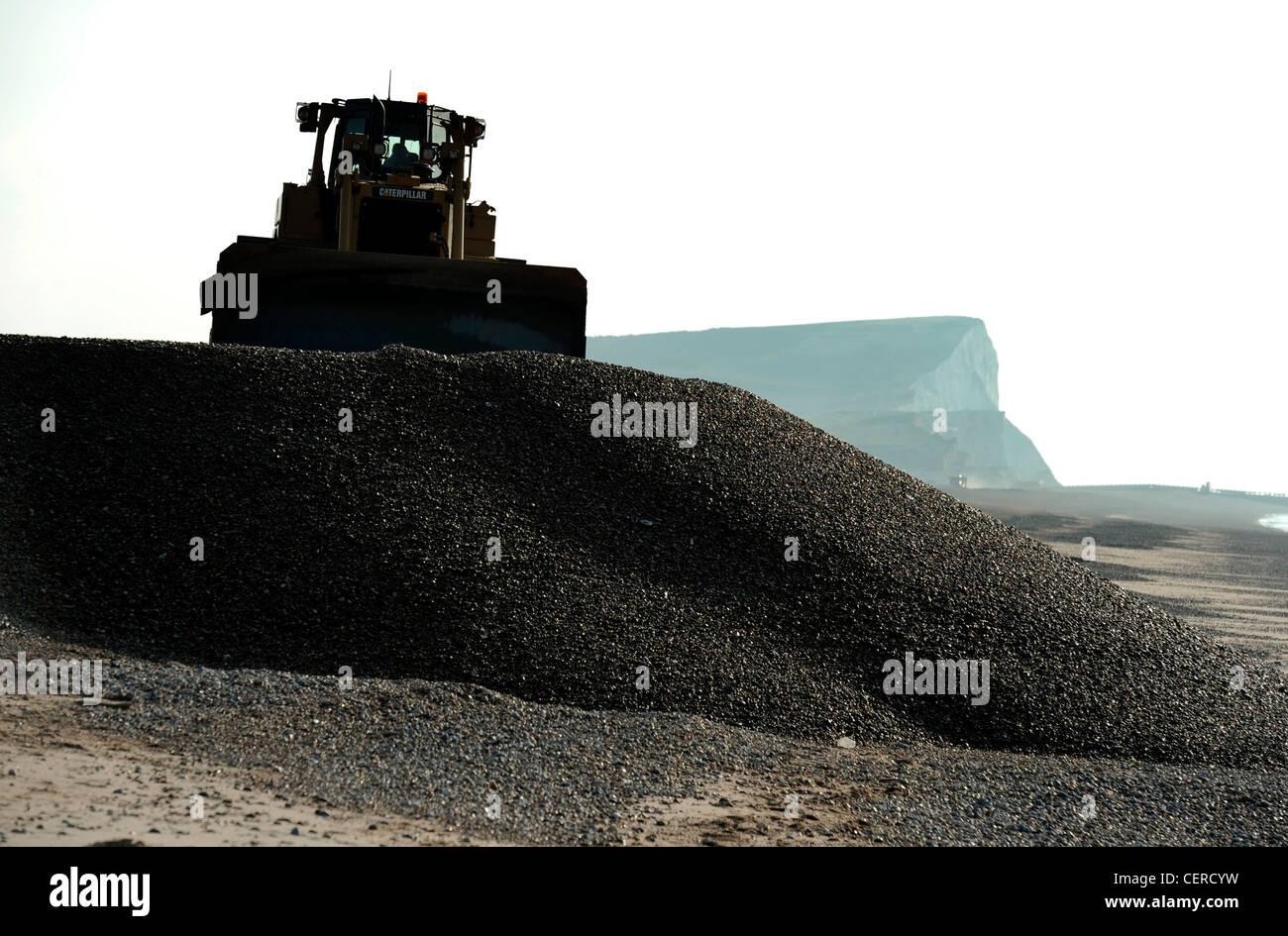 Plages de galets de reconstruction après les tempêtes d'hiver, Jalhay, East Sussex. Photo Stock