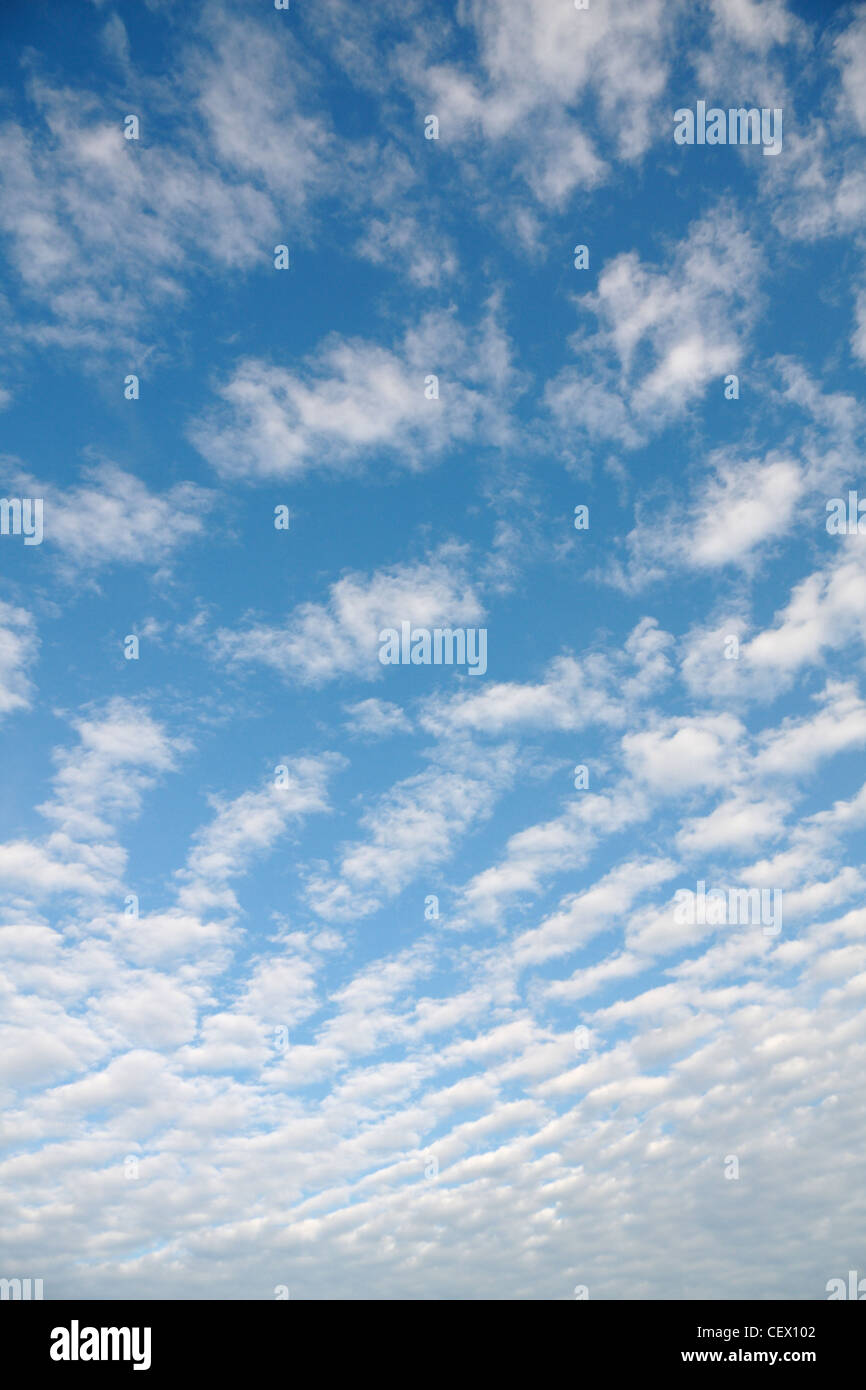 Propagation sur le ciel nuages Photo Stock