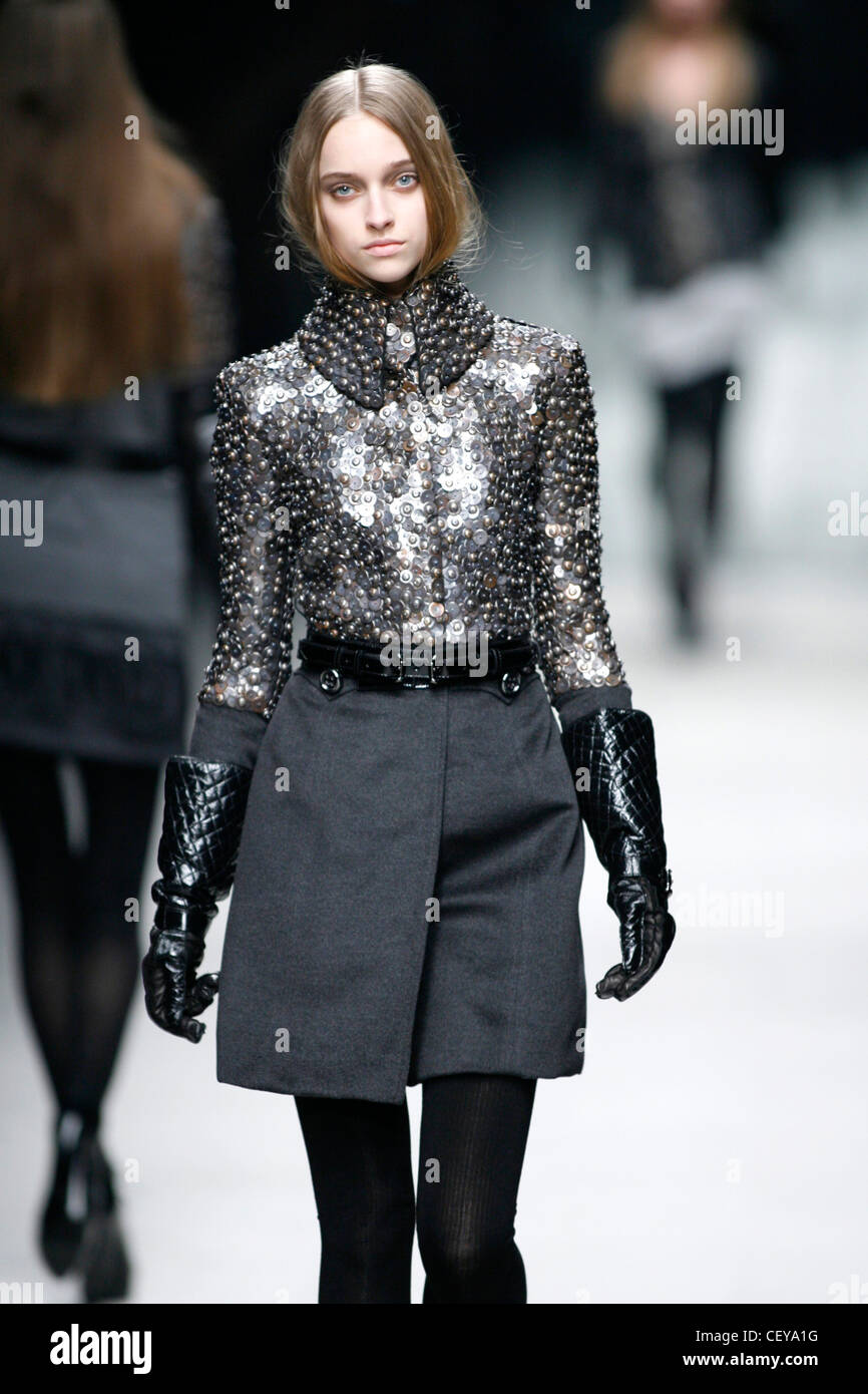 Week Prorsum Hiver Milan Gris Wearing Automne Fashion Burberry Model OTikZPXu