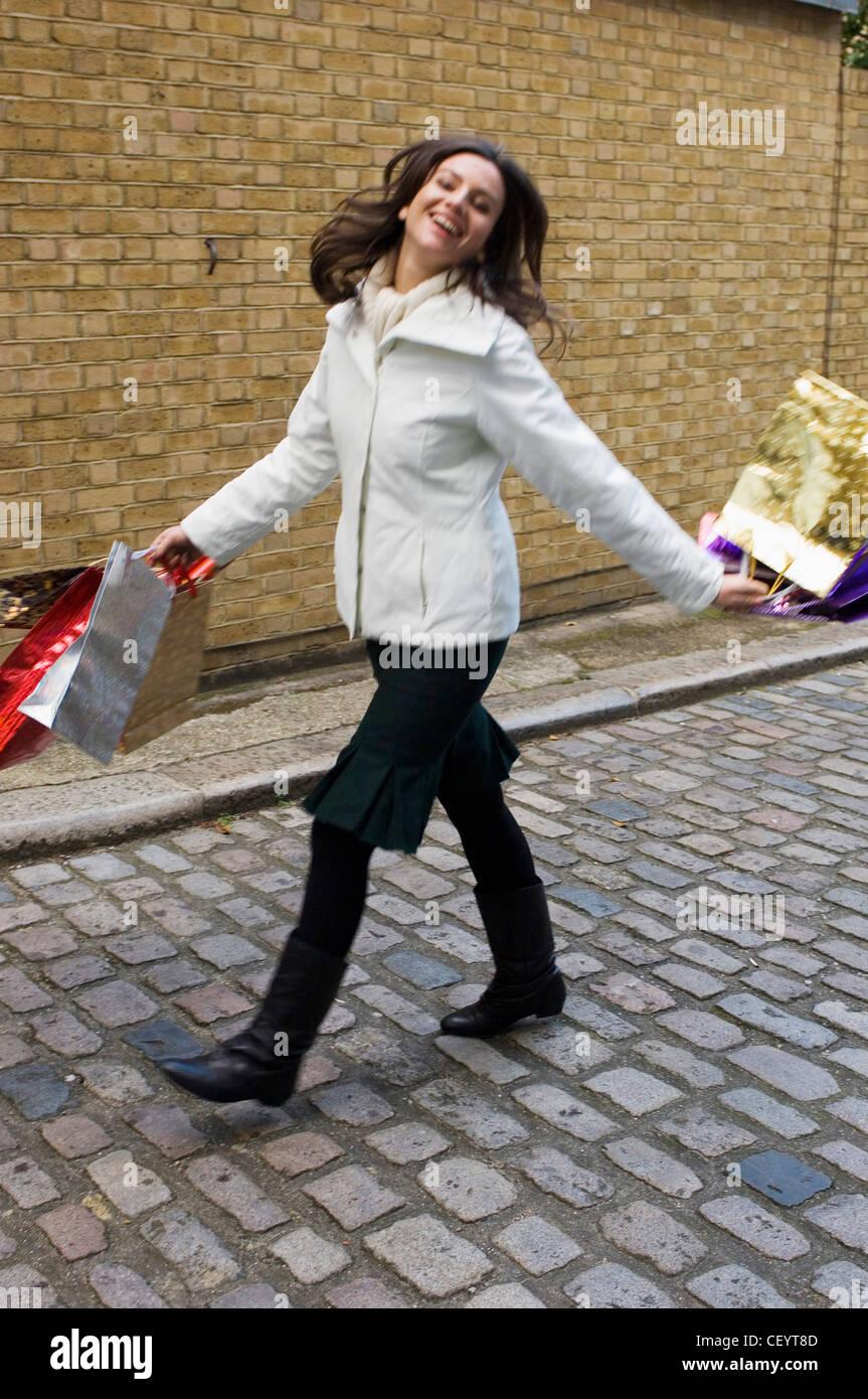 la meilleure attitude 7a0f2 93b6b Porter femme col polo crème crème cavalier, veste, jupe vert ...