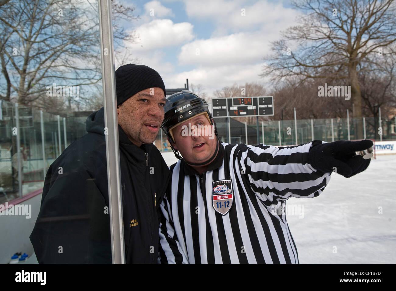 'Hockey dans le capot' Inner-City Tournoi de Hockey sur Glace Photo Stock