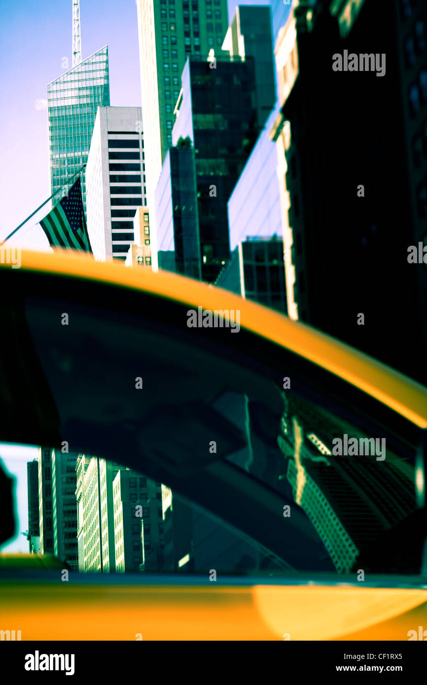 L'architecture moderne des bâtiments le long de la 42e Rue à Midtown Manhattan, New York, États-Unis d'Amérique Banque D'Images