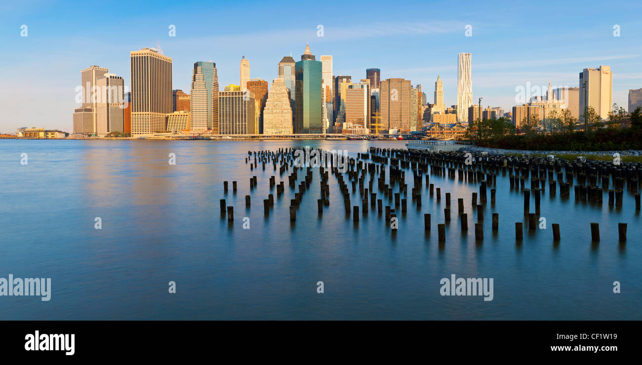 États-unis d'Amérique, New York, matin voir des gratte-ciel de Manhattan depuis le quartier de Brooklyn Photo Stock