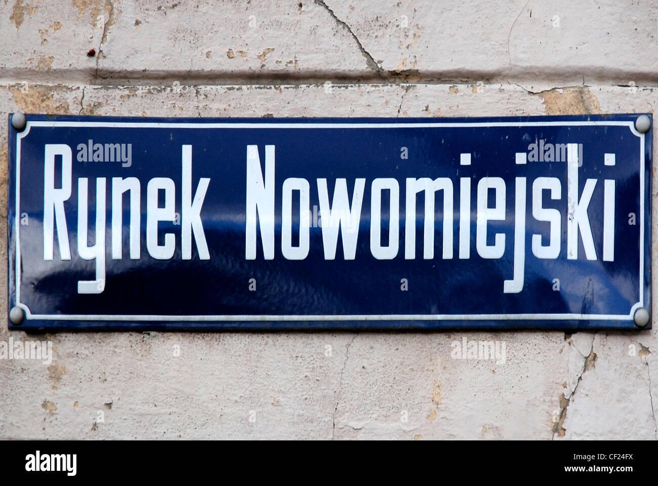 Rynek Nowomiejski panneau routier à Torun. Banque D'Images