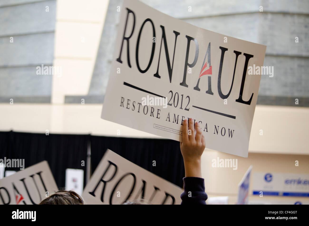 Ron Paul partisans au California State convention 2/25/2012 GOP. Banque D'Images