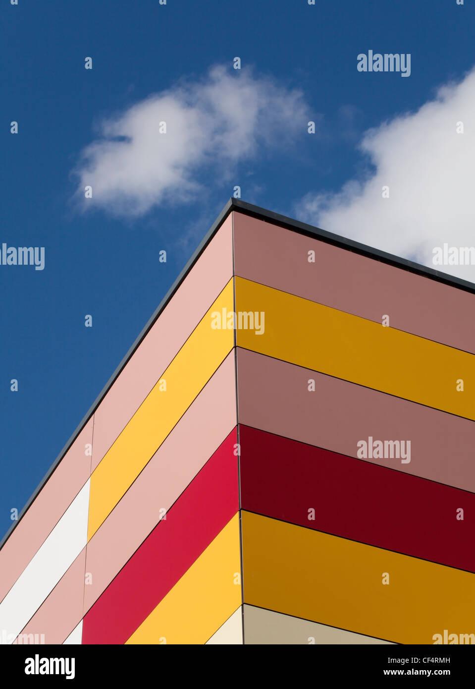 Extérieur d'un bâtiment coloré au Durham Johnston l'école. Photo Stock