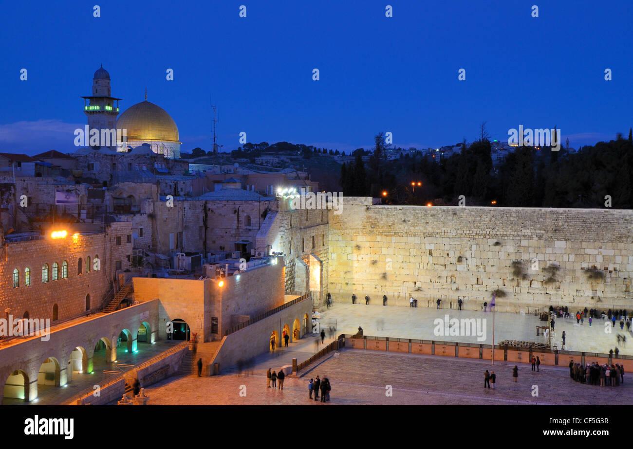 Mur des lamentations et Dôme du rocher dans la vieille ville de Jérusalem, Israël. Photo Stock