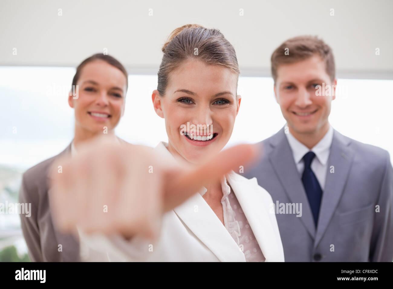 Responsable des ressources humaines à propos de donner pouce vers le haut Photo Stock