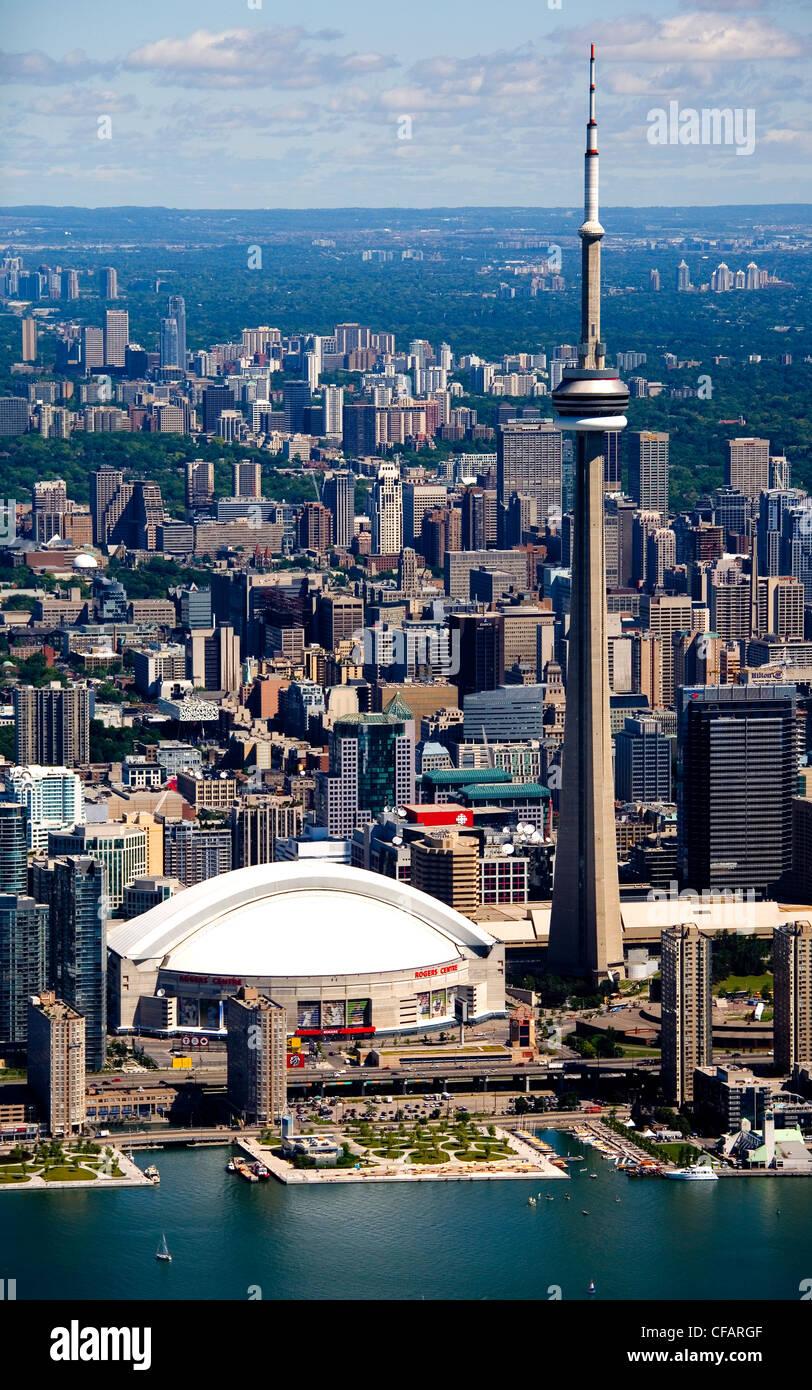 La Tour CN et le Centre Rogers au centre-ville de Toronto, Ontario, Canada Banque D'Images