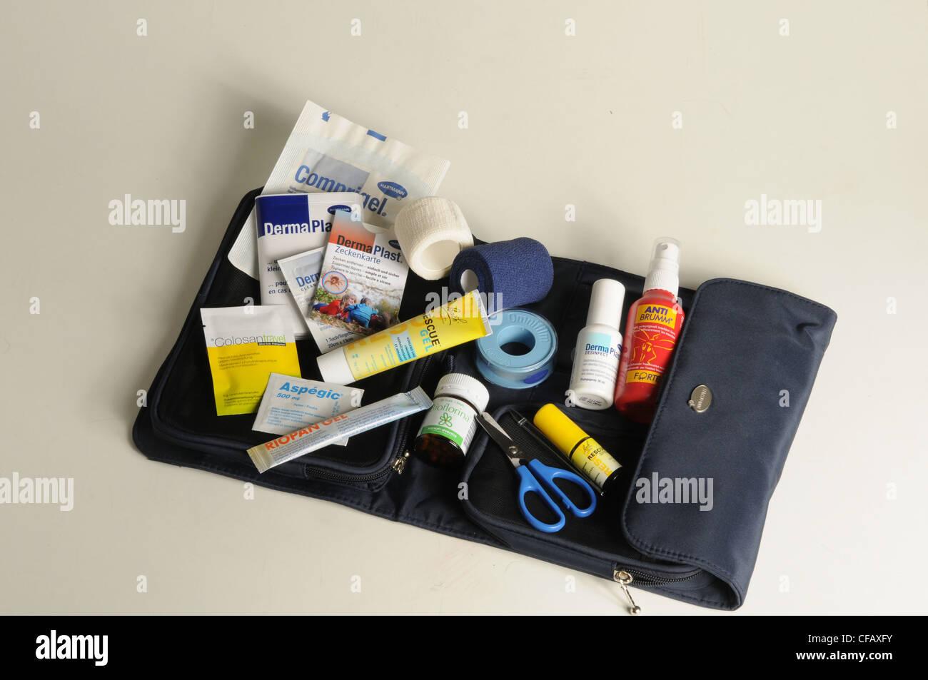 Médicaments, trousse de premiers soins, le mal des transports, blessure, sparadrap, Photo Stock
