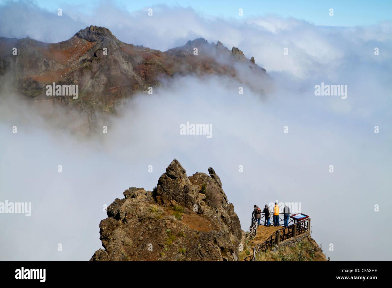 Les touristes près de Pico das Torres, Madeira, Portugal Photo Stock