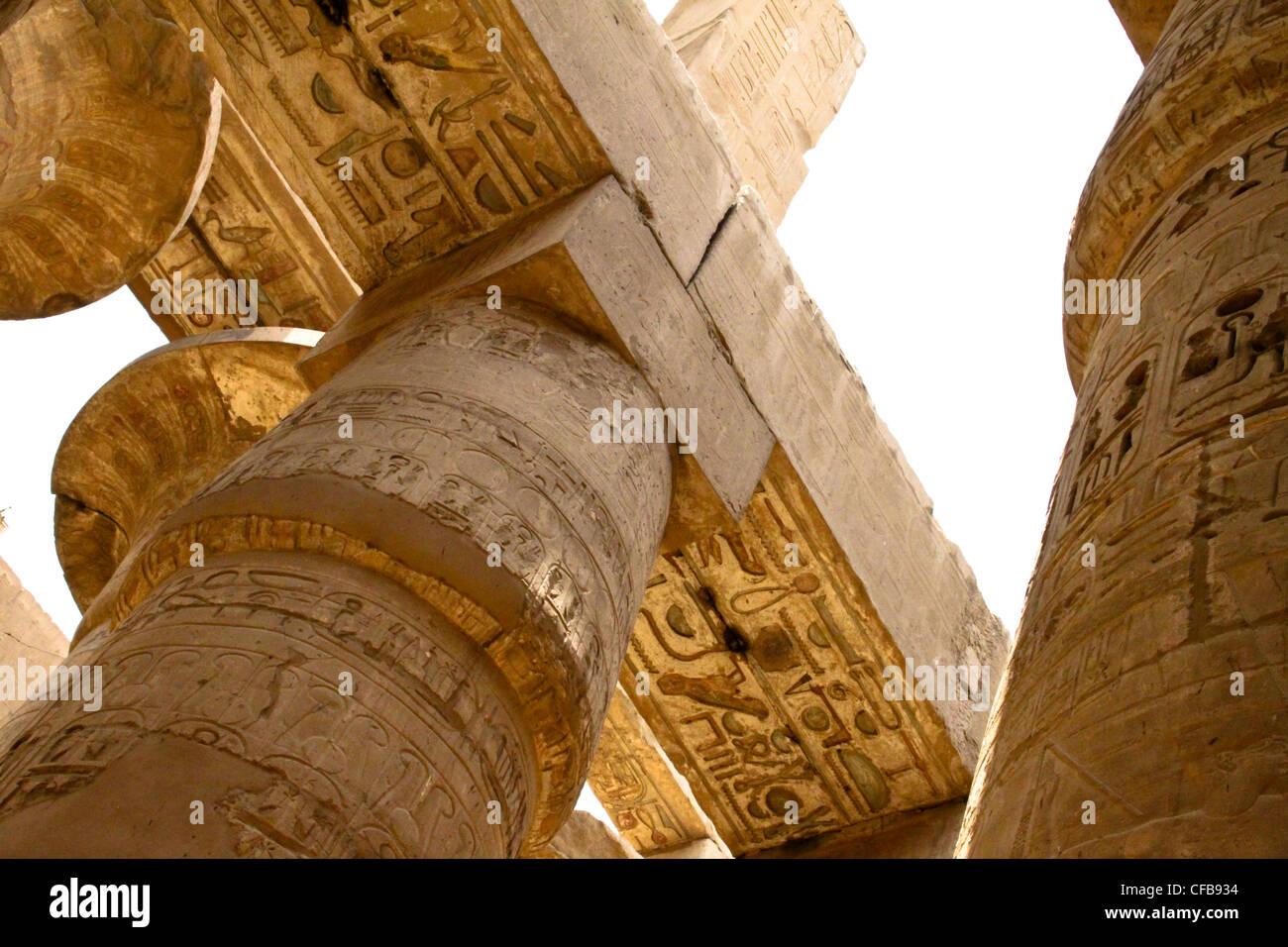 Le grand temple de karnak dédié au culte d'Amon, dans la ville de Louxor en Égypte Photo Stock