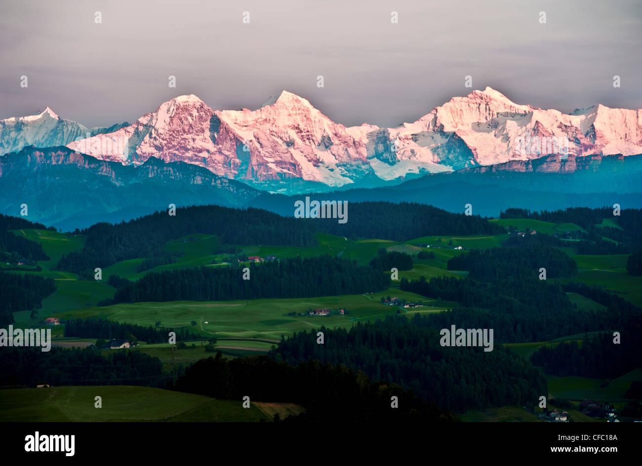 Chaîne de montagnes, montagne, ferme, fermes, Alpes Bernoises, l'Eiger, Emmental, Hautes Alpes, Jungfrau, Photo Stock