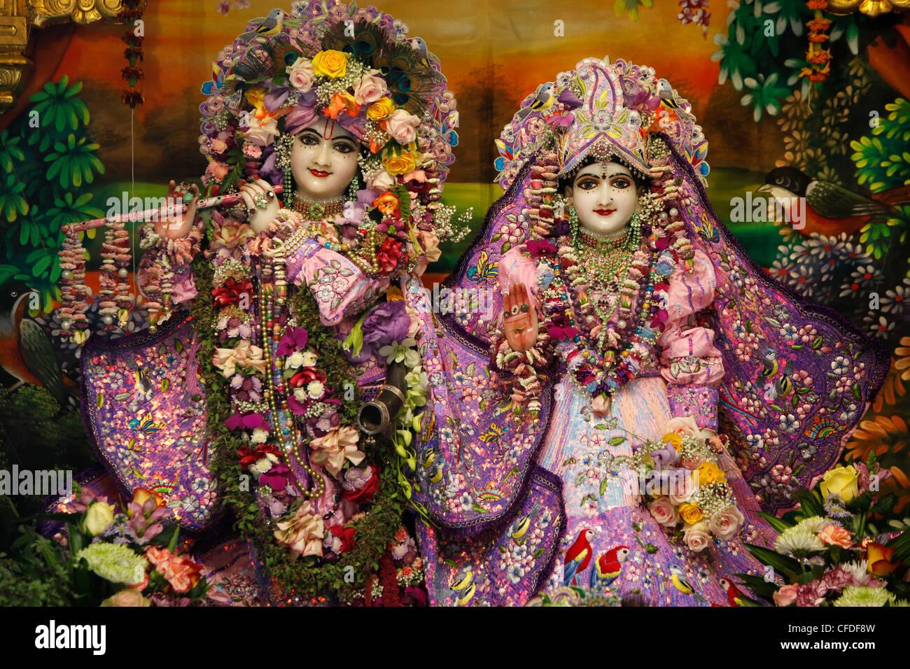 Krishna et Rada statues au Bhaktivedanta Manor (ISKCON temple Hare Krishna), Watford, Hertfordshire, Angleterre, Royaume-Uni Banque D'Images