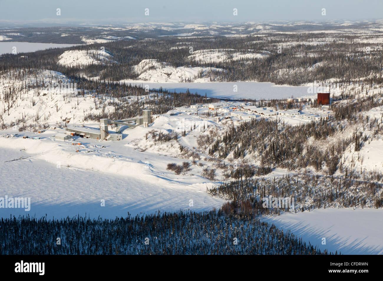 Cette mine d'argent est maintenant abandonnée, située juste au sud de Great Bear Lake, Territoires Photo Stock