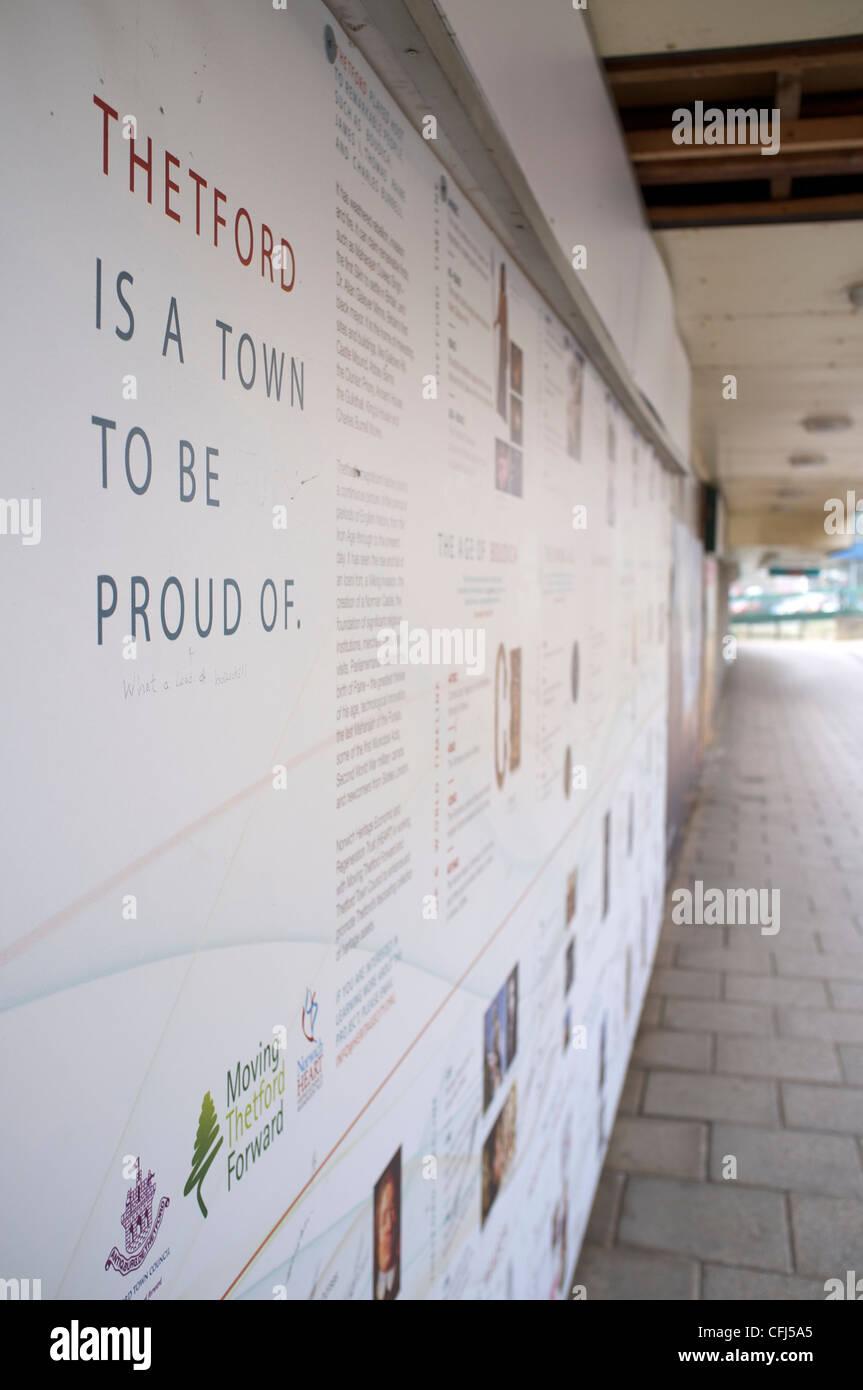 Une boutique vide dans le centre-ville de Thetford avec accaparement sur l'avant pour dissimuler qu'il est Photo Stock