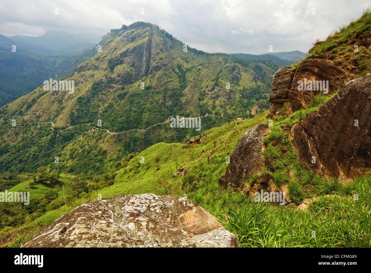 Vue depuis le pic d'Adam peu, Ella, hauts plateaux du centre, le Sri Lanka, l'Asie Photo Stock