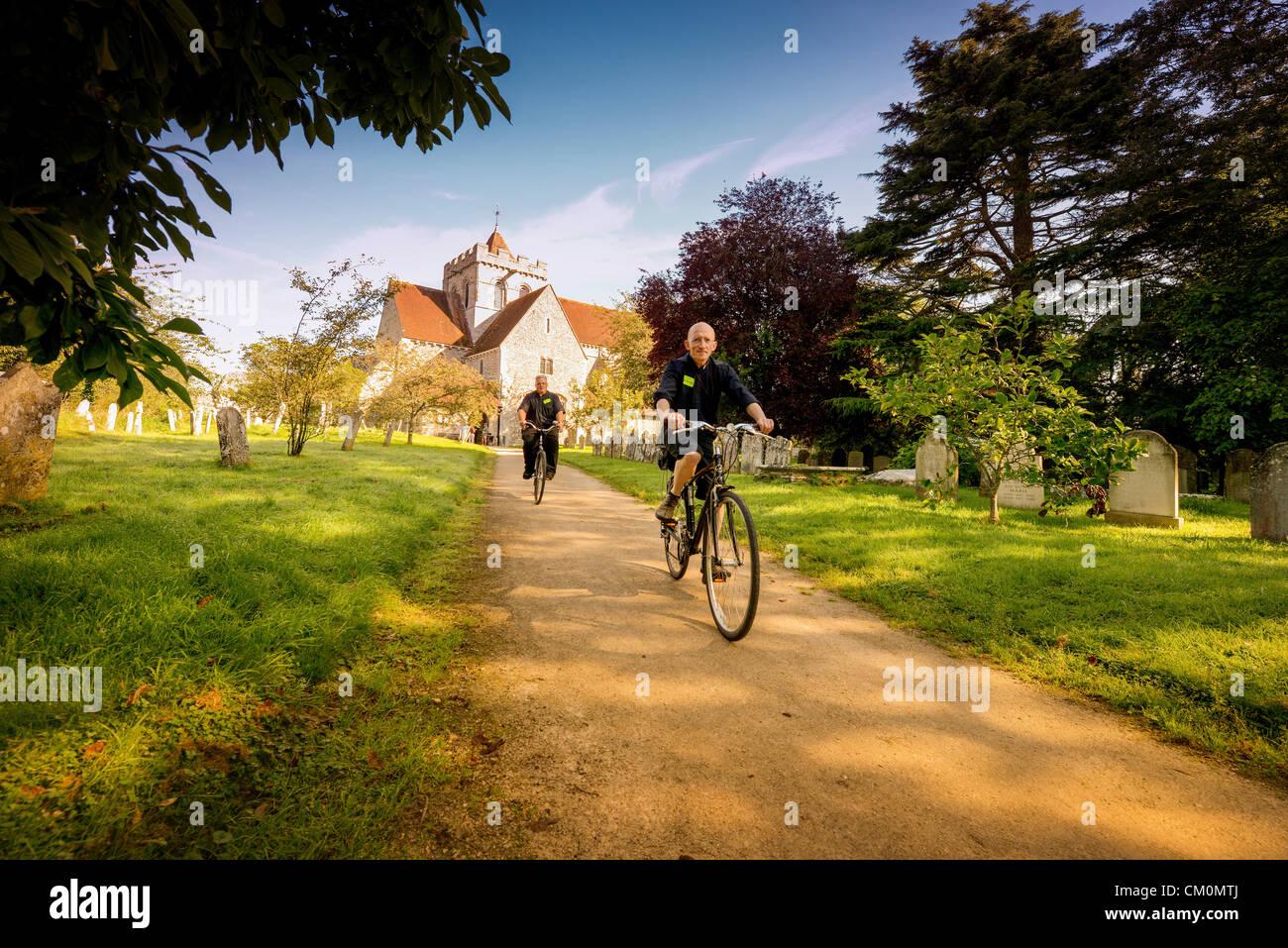 Bientôt-à-être-intronisé évêque de Chichester Martin Warner a pris hier à deux Photo Stock