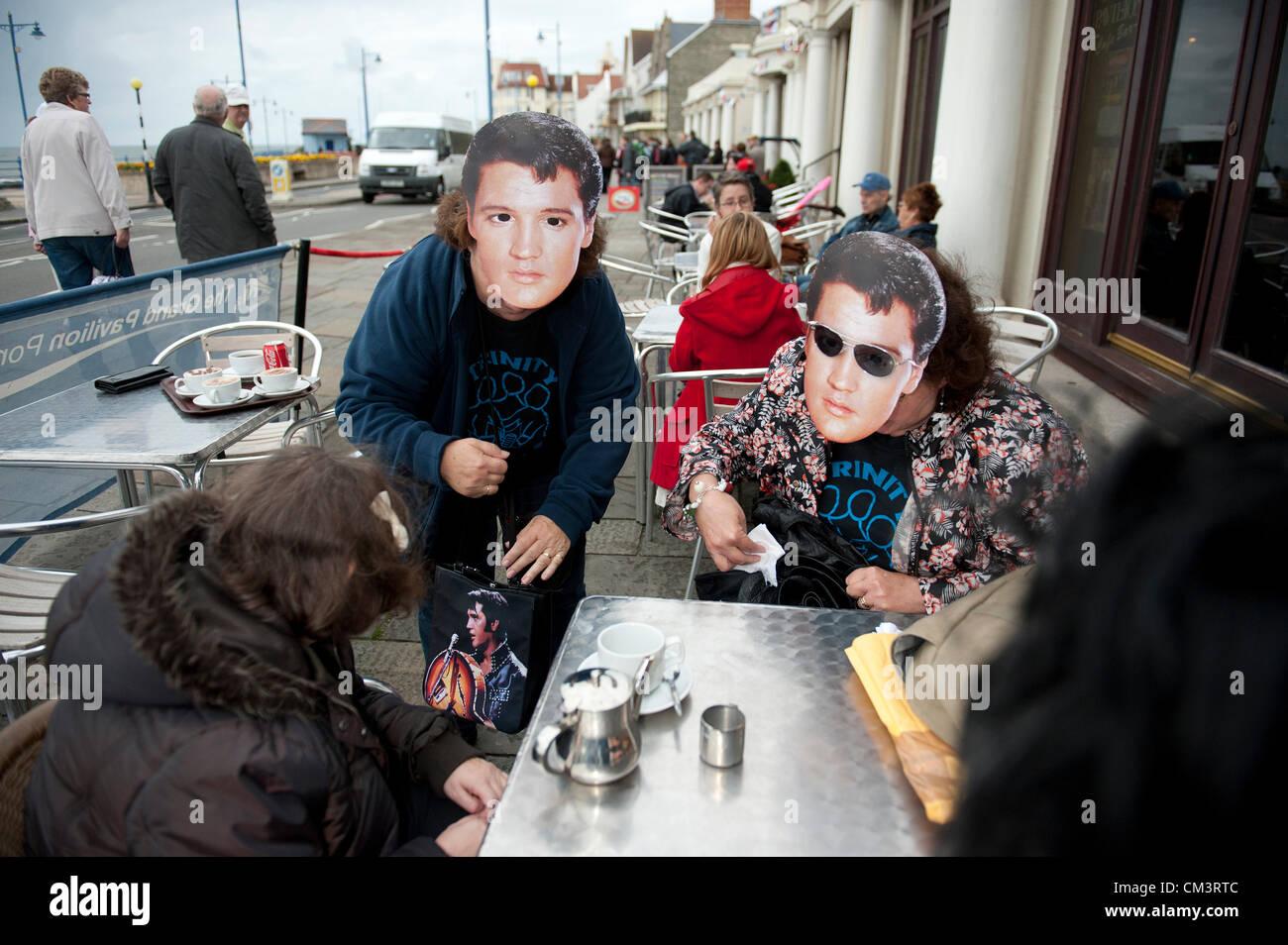 28 septembre 2012. Porthcawl, UK. Des milliers de fans d'Elvis et assimilés habillé en glitter jumpsuits, Photo Stock