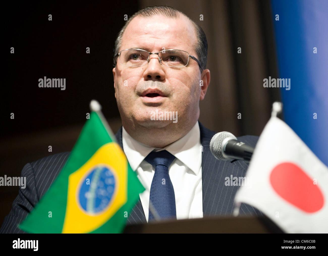 Alexandre Tombini, président de la Banque centrale du Brésil, parle à la Conférence économique Photo Stock