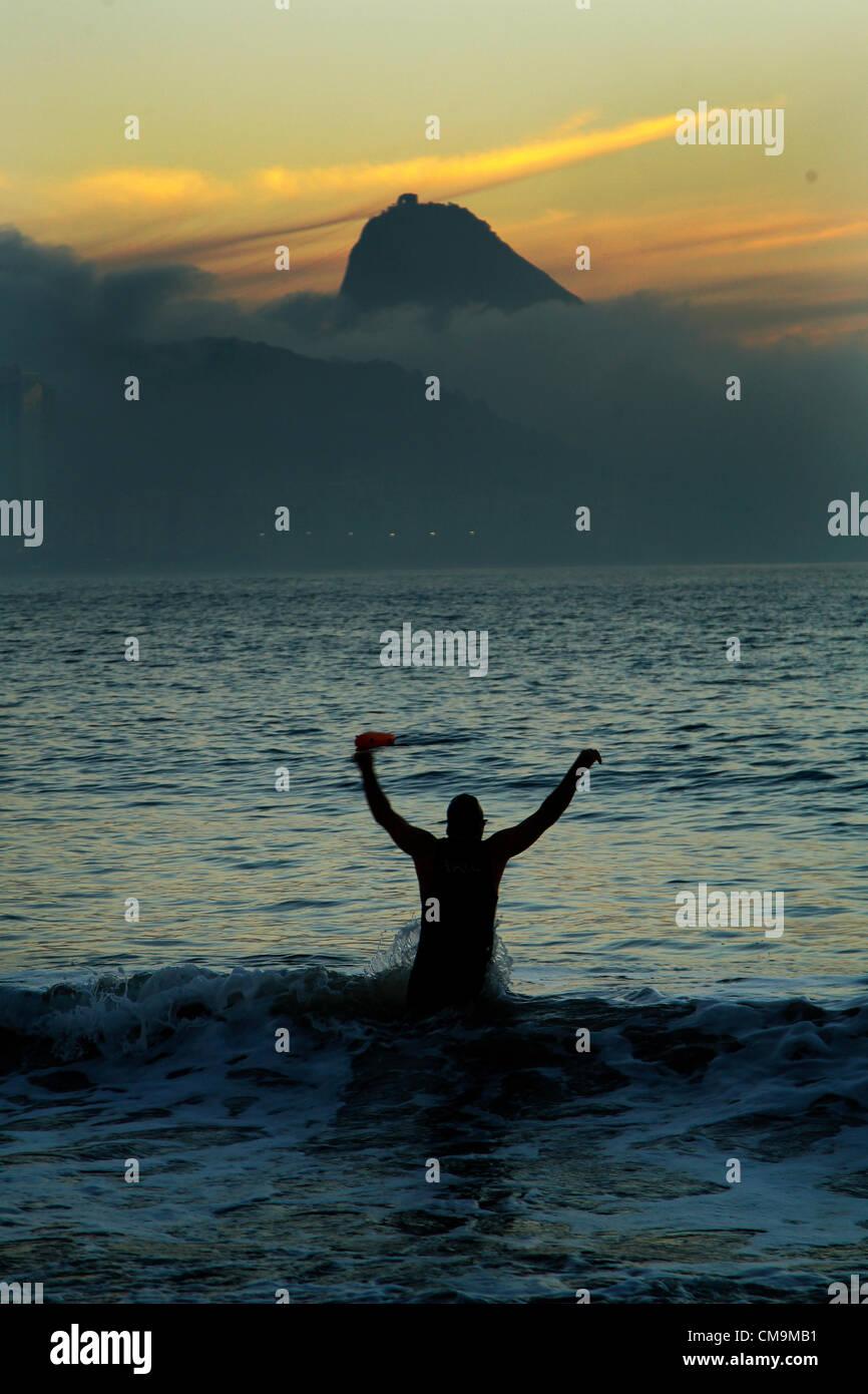 29/06/2012 Rio de Janeiro, Brésil - Au petit matin sur la plage de Copacabana, l'une des plus célèbre Photo Stock