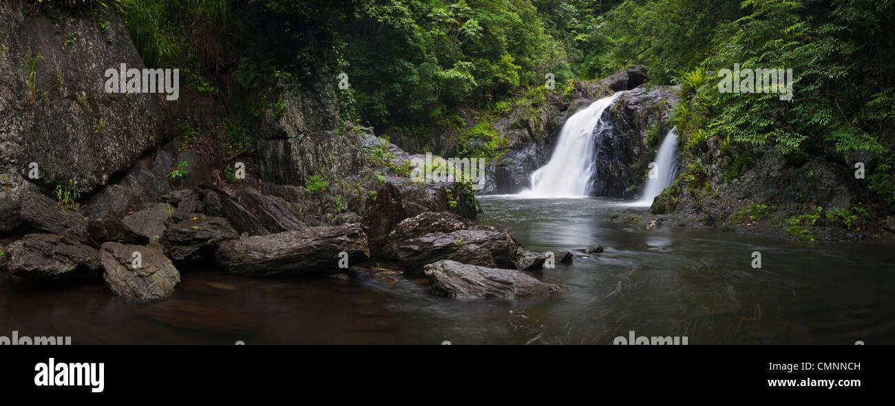 Cascade de Cascades de cristal - un trou d'eau douce avec populaires près de Cairns, Queensland, Australie Photo Stock