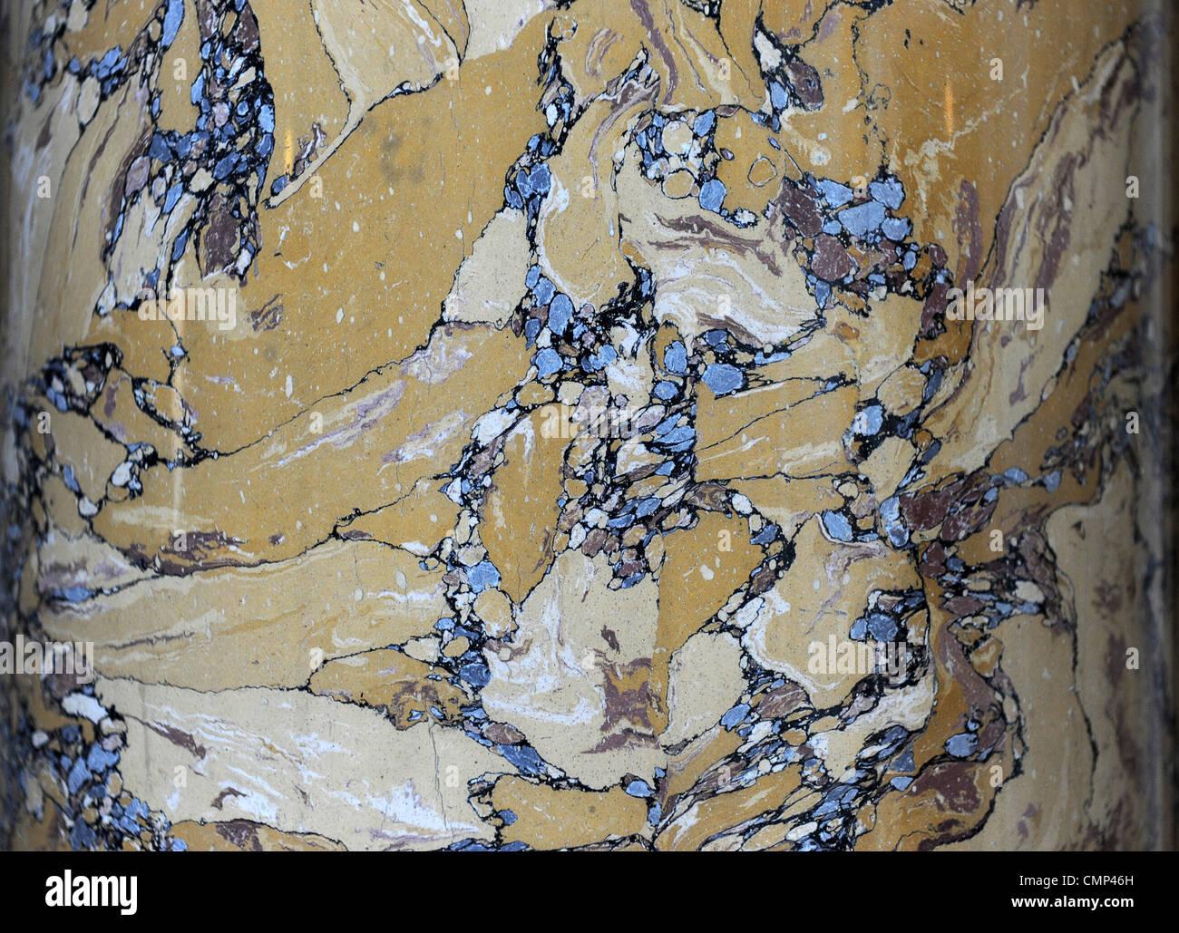 Scagliola faite pour représenter en marbre de Sienne Photo Stock