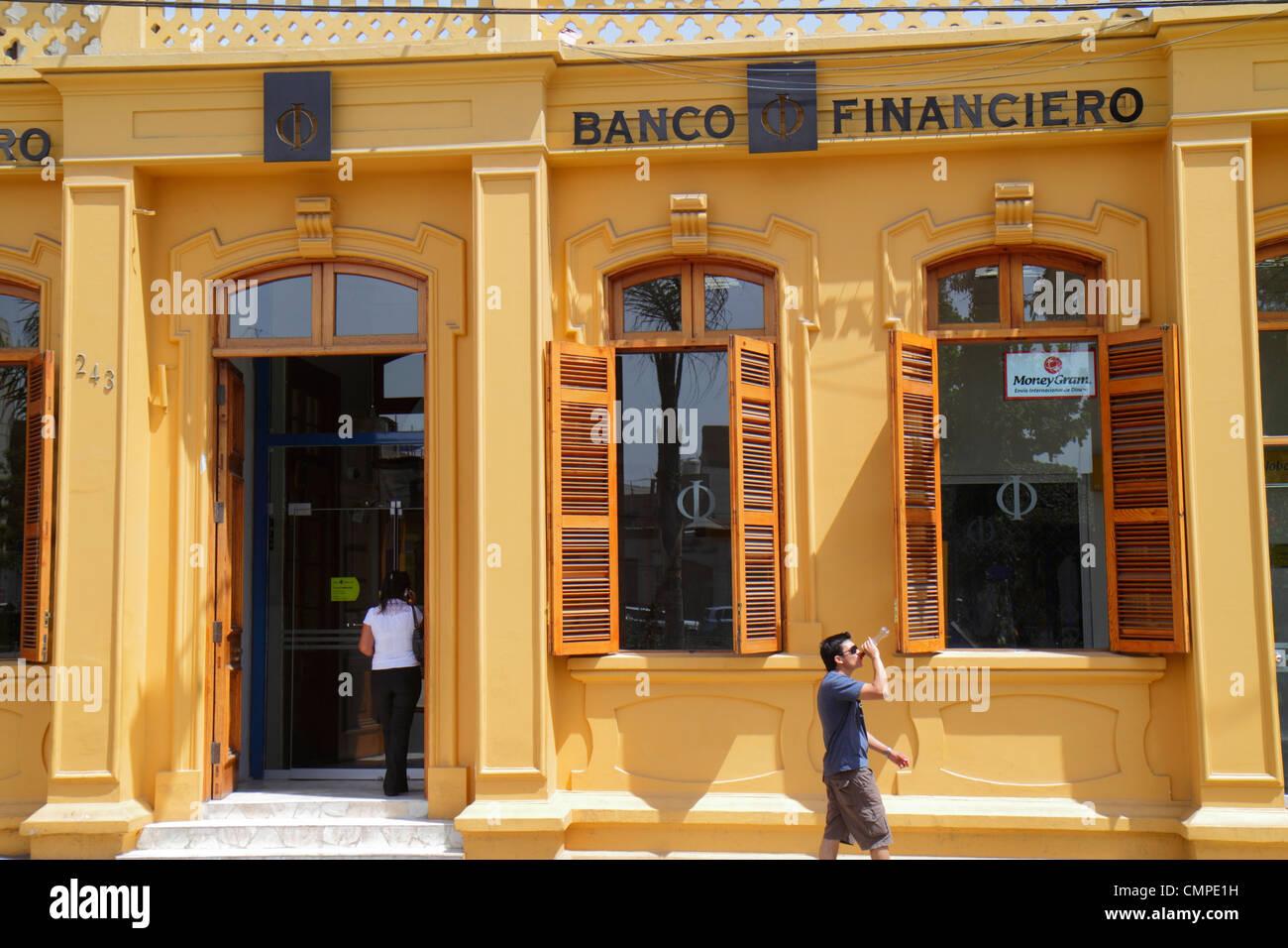 Girls El Banco