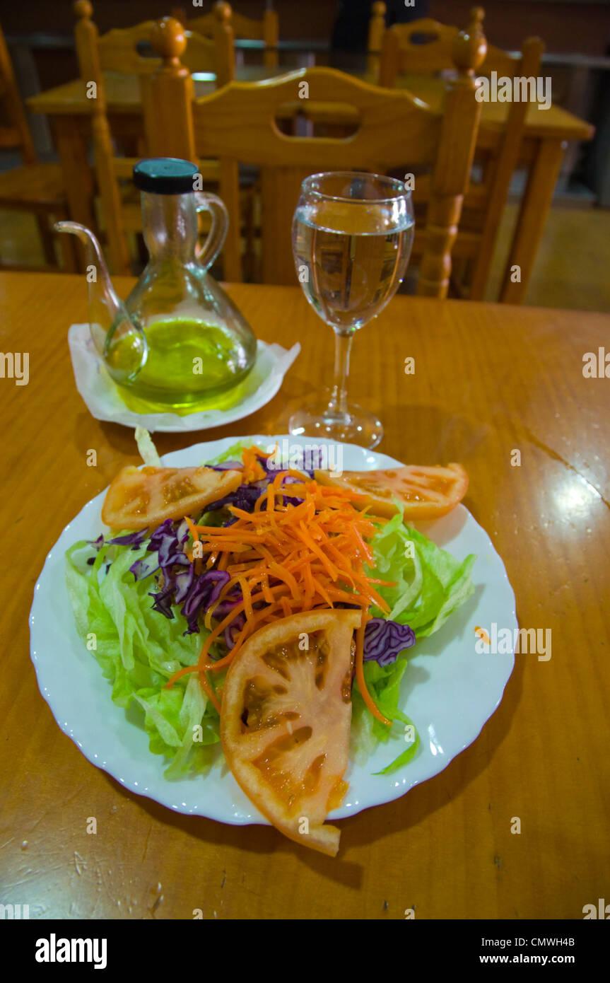 Ensalata mixta la salade de saison mixte Séville Andalousie Espagne Photo Stock