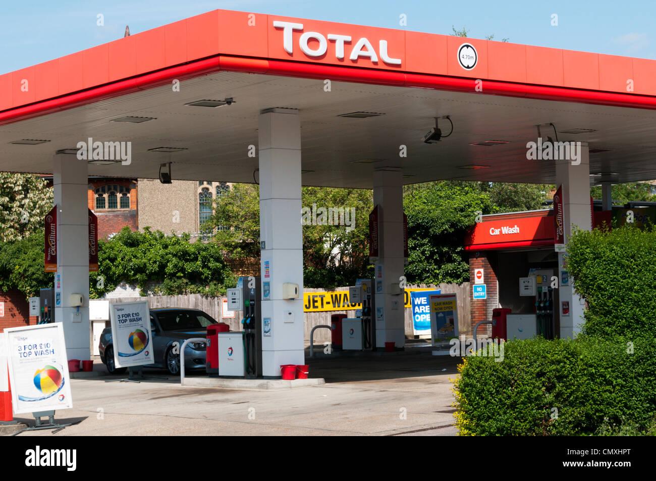 total station photos total station images alamy. Black Bedroom Furniture Sets. Home Design Ideas